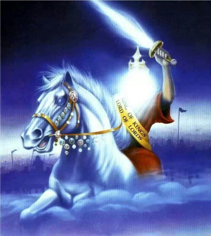 """""""Y en su vestidura y en su muslo tiene escrito este nombre. REY DE REYES Y SEÑOR DE SEÑORES""""...Apocalipsis 19:16"""