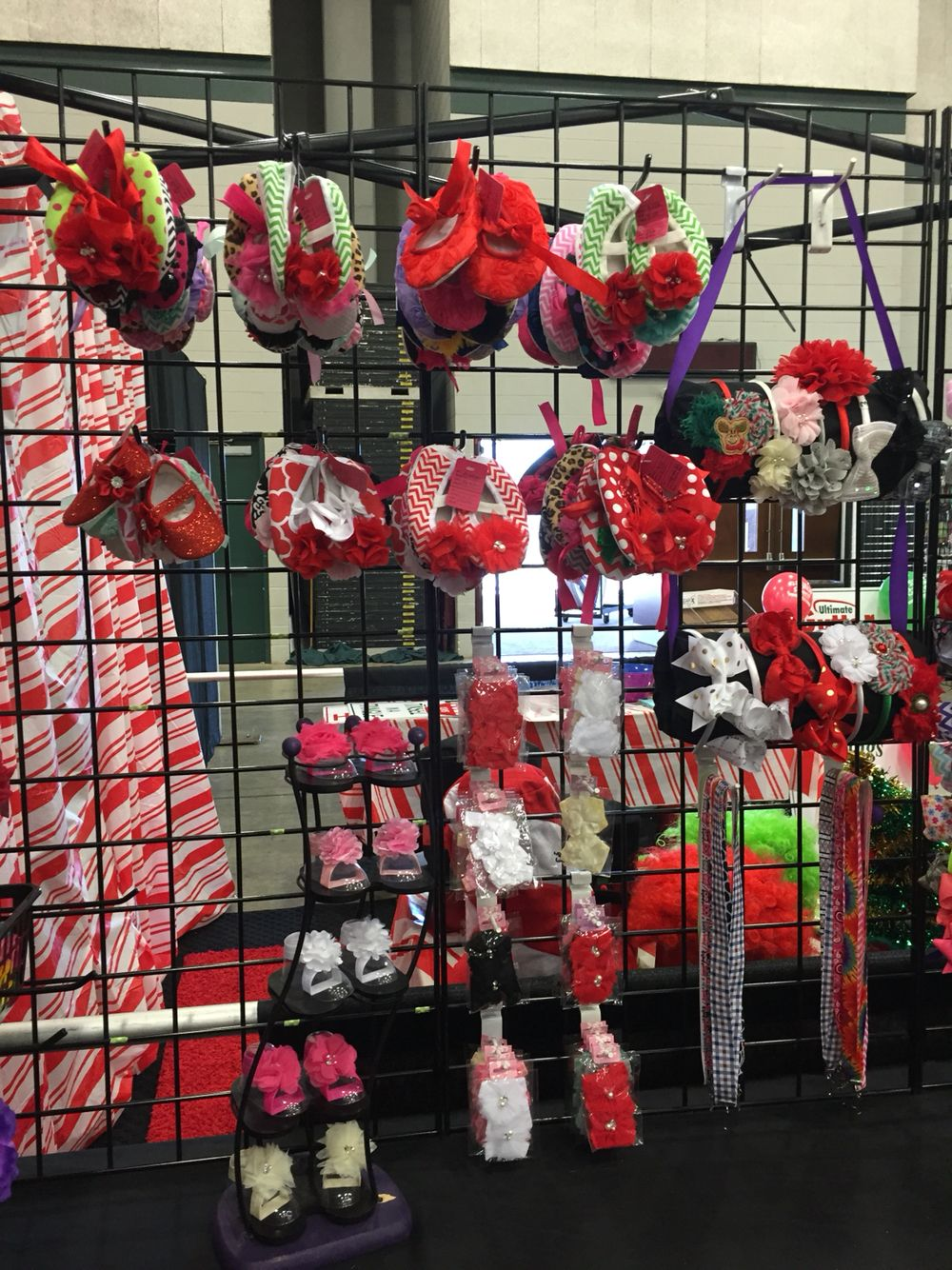 Christmas Craft Show Booth Ideas Part - 33: Vendor Booth Holiday Craft Fair Booth Setup Display Ideas Crafter 10x10 CD  Rack For Baby Shoe