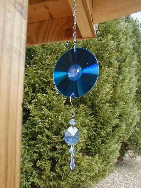 Recycled garden art children s simple chime and suncatcher for Recycling ideas for your garden