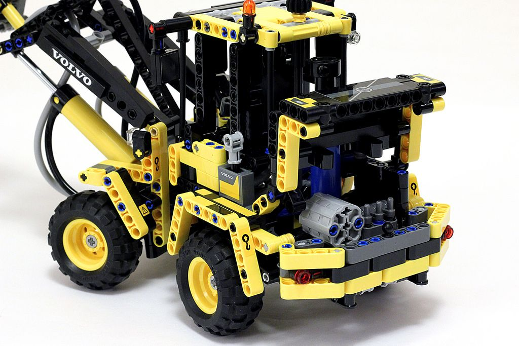 lego technic wheel loader volvo l g flickr baumaschinen. Black Bedroom Furniture Sets. Home Design Ideas