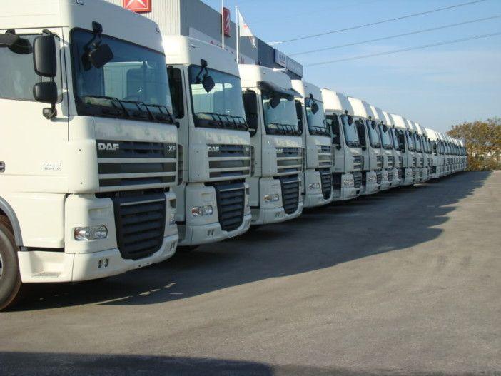 Na falta de táxi, camionistas ganham alguns 'trocados' com os passageiros https://angorussia.com/noticias/angola-noticias/na-falta-de-taxi-camionistas-ganham-alguns-trocados-por-pasageiros/