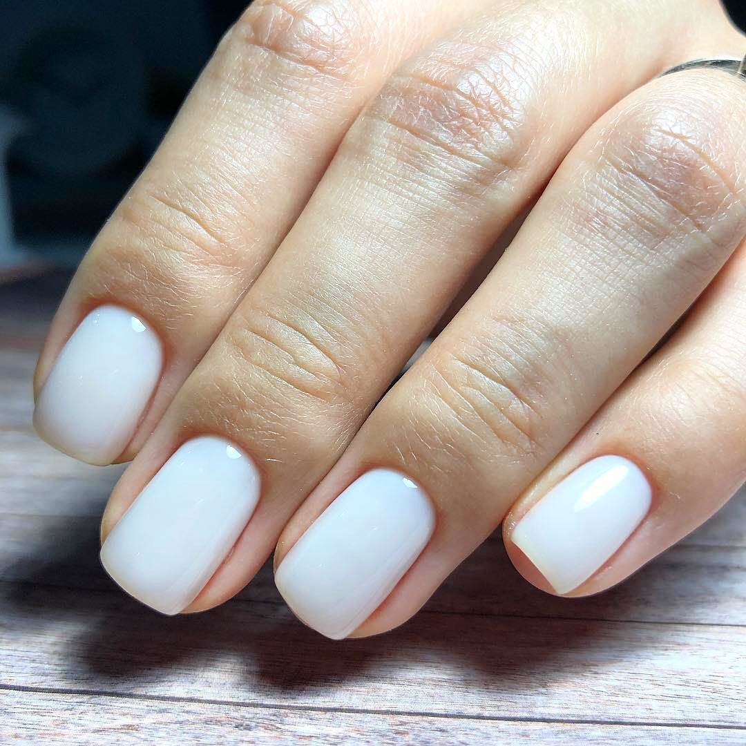 The Zoe Report On Instagram The Best White Nail Polish For Your Skin Tone According To A Celebrity Mani Best White Nail Polish White Nail Polish White Nails