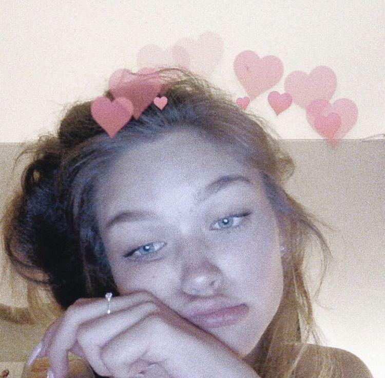 ゚ 𝖍𝖔𝖓𝖊𝖞𝖘𝖒𝖎𝖙𝖙𝖊𝖓 Aesthetic Girl Photobooth