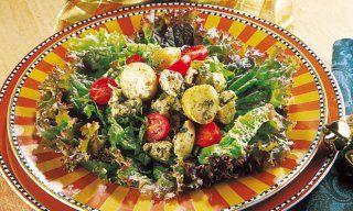 Salada de frango com batatas e pesto