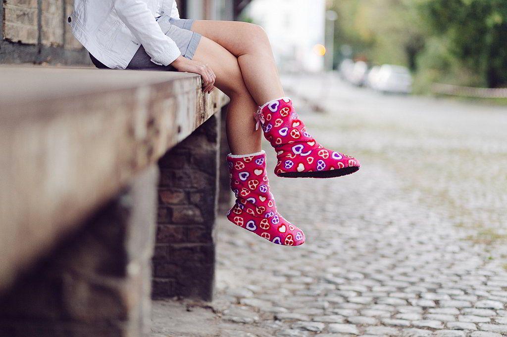 Hausstiefel rosa Herzen - Ladyboots - funslippers - neue Kollektion 2014 - Blog-funslippers.de