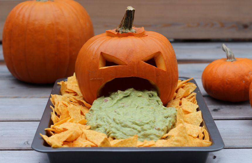 Hubsche Halloween Deko Ideen Mydays Magazin Halloween Buffet Halloween Buffet Table Halloween Food For Party