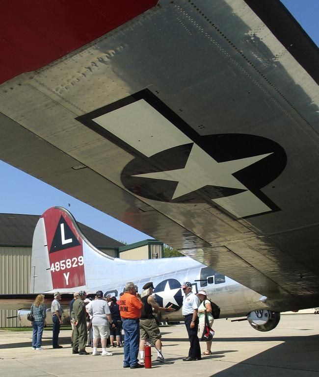 WWII veterans relive memories with flight on B-17 'Yankee Lady'