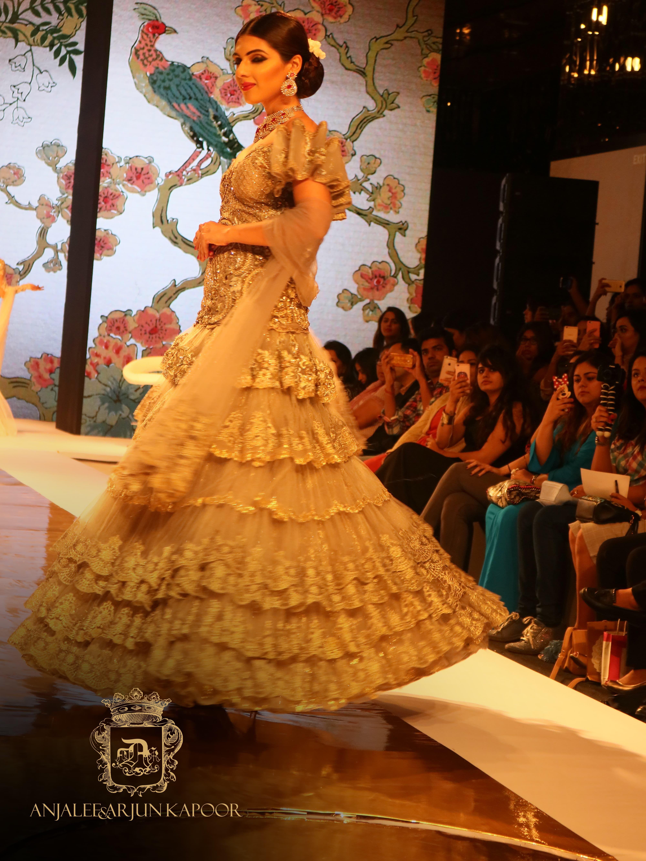 c727f5a467 Designer Wedding Dresses Online India