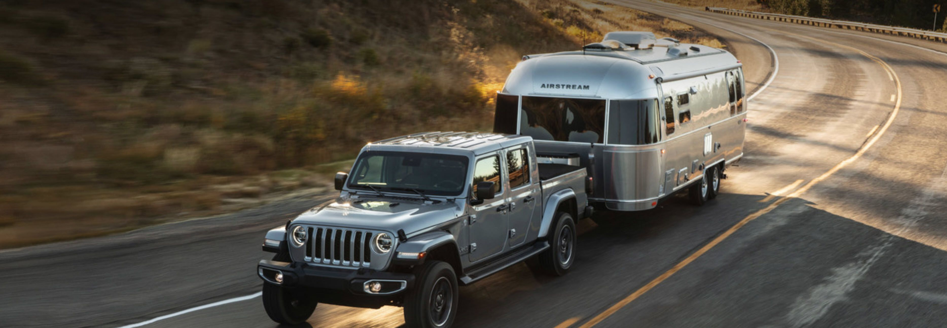 Jeep Gladiator Towing Airstream Jeep Jeeps Jeeplife
