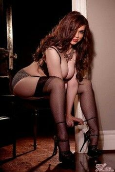 Sexy poses for fat girls