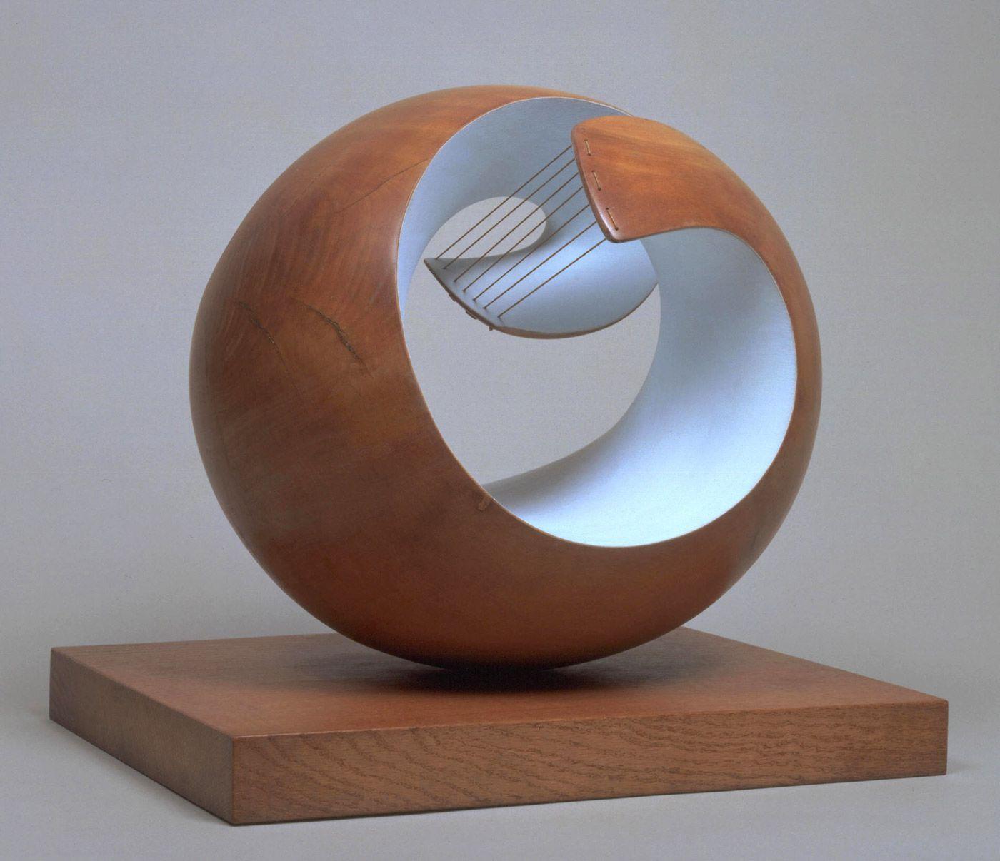 Exhibition: 'Barbara Hepworth: Sculpture for a Modern World' at Tate Britain, London. http://artblart.com/2015/10/21/exhibition-barbara-hepworth-sculpture-for-a-modern-world-at-tate-britain-london/ Art work: Barbara Hepworth. 'Pelagos' 1946