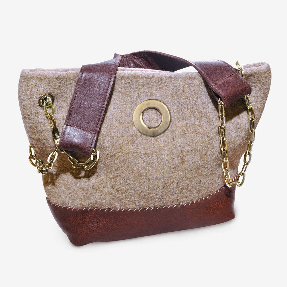Sarah Oliver Handbags The Bentley Shoulder Bag In Oatmeal With Gold Finishings