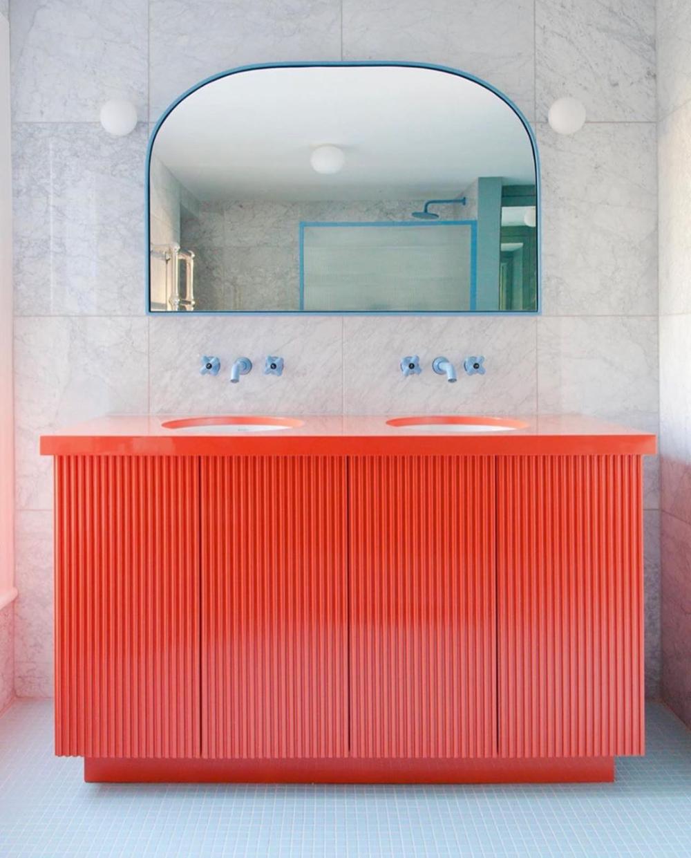 Mmi Inspiration Such A Fun Bathroom Designed By 2lgstudio Megantaylorphoto Mmi Mmi In 2020 Bathroom Design Round Mirror Bathroom Amazing Bathrooms