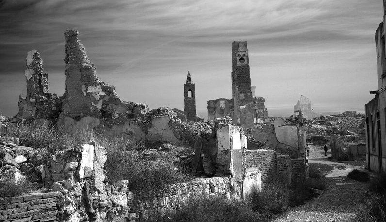 Belchite viejo ~ ¿Lugares misteriosos y encantados? ~ - … | Belchite ...
