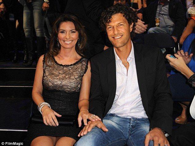 Shania Twain Says Her Husband S Affair Nearly Ended Her Career Shania Twain Husband Country Singers