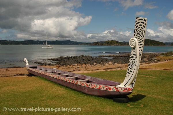 new zealand images | Pictures of New Zealand -0001 - Maori war canoe, Waitangi, Bay of ...