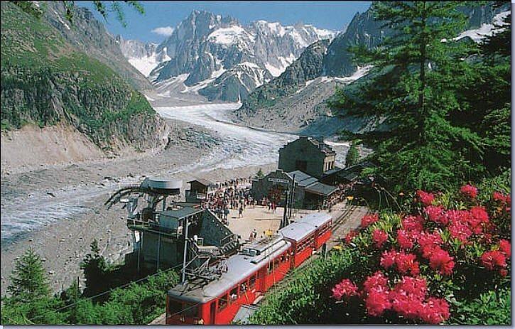 Train du Montenvers Mer de Glace Glacier Chamonix Les Alpes