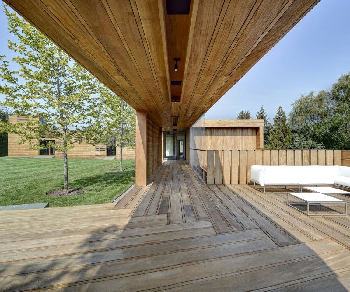 Exterior aspect of Mothersill in Water Mill, New York, USA by Bates Masi Architects
