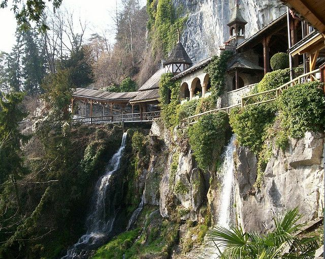 Rivendell-----I would SO live here!!!!!!!!!!