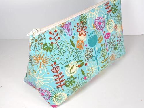 Threading My Way Ten Free Zippered Pouch Tutorials Makeup Bag Pattern