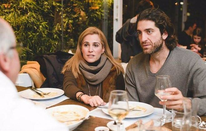 Τζένη Μπότση: Άβαφη βγήκε για φαγητό μαζί με τον σύντροφό της! (εικόνες)