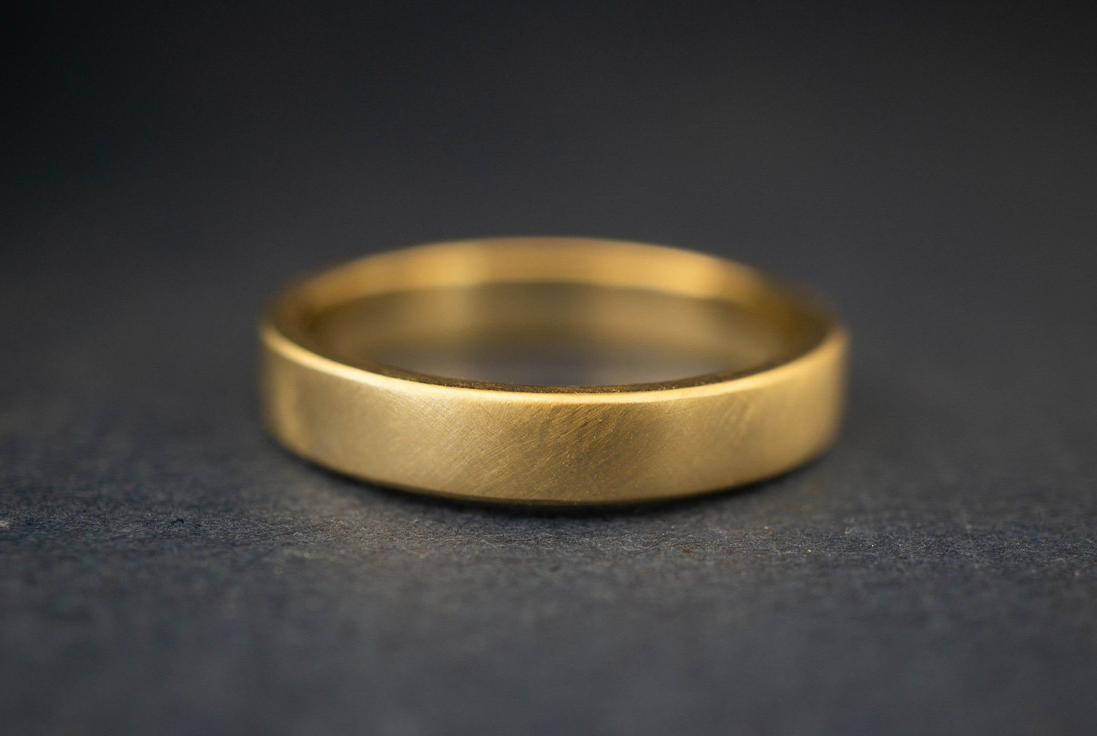 Bread Butter 4mm Gold Band Ring 4mm Gold Ring 4mm Etsy Mens Gold Wedding Band Matte Mens Wedding Bands Mens Gold Rings