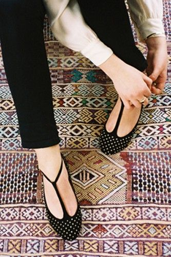 Cute shoes + amazing rug