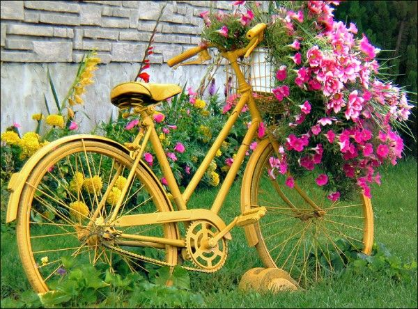 Yellow Bike As Yard Decor Garden In The Woods Bicycle Decor
