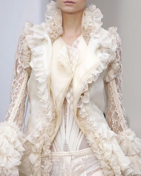 Balenciaga Spring Couture 2006 @balenciaga // #fashion #art #style #look #runway #couture #lifestyle #detail #moda #details #color #couturefeast #blog #chic #glam #edgy #girly #fashionista #fashionblog #designer #modern #classy #inspiration #hautecouture #trend #accessories #fashionable #flowers #embroidery #balenciaga