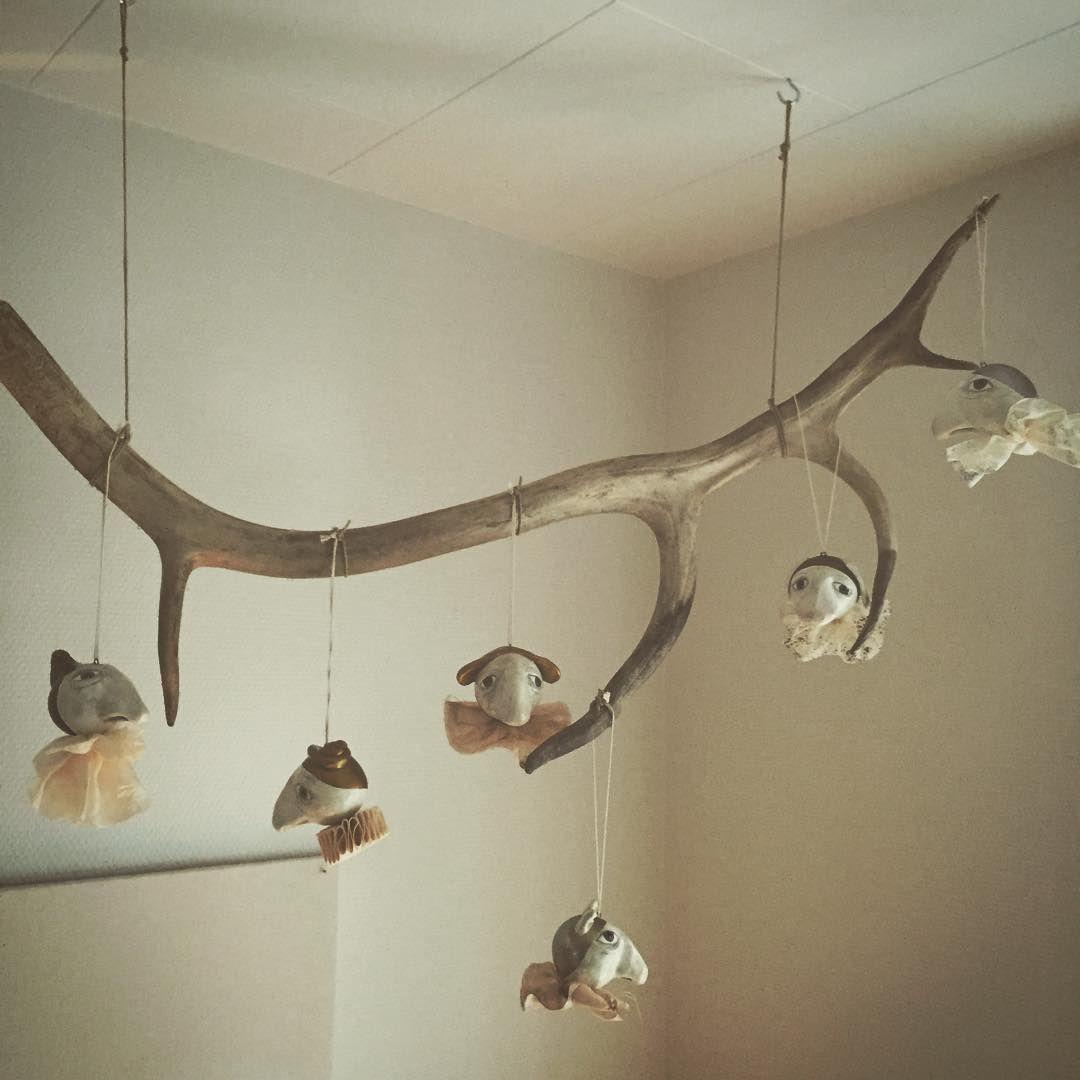 Om at hænge ud på et gevir... ✨#hængehoveder #julmedgefiltefish #antlers #specialchristmasedition2015