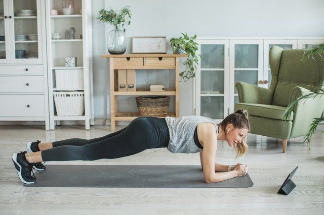 Tone Your Arms and Sculpt Your Abs With This 20-Minute Pilates Workout | Livestrong.com