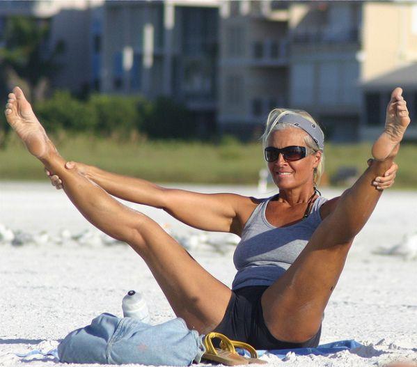 when lovely ladies spread their legs - likes | spread their legs