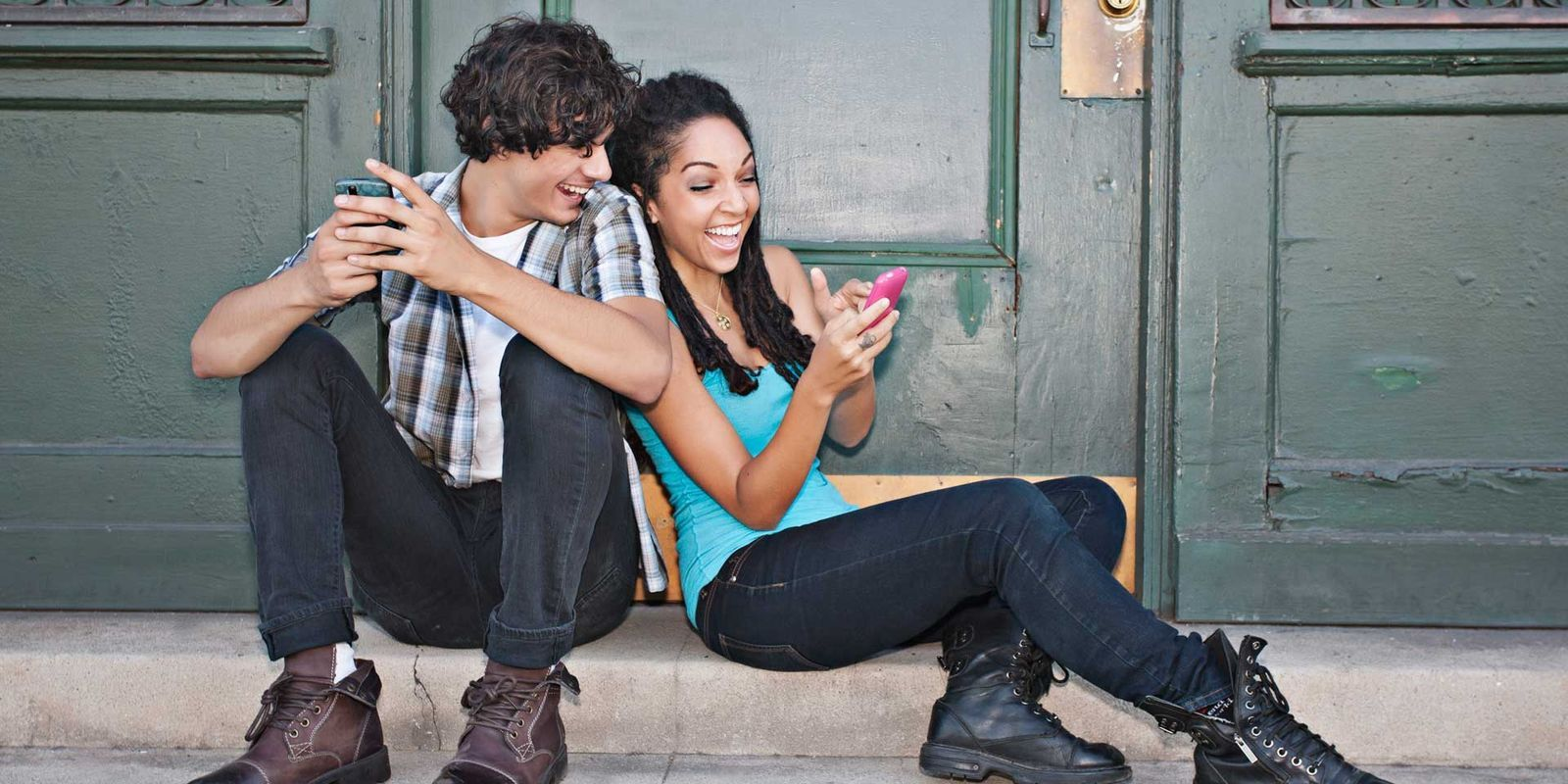 dating long distance college