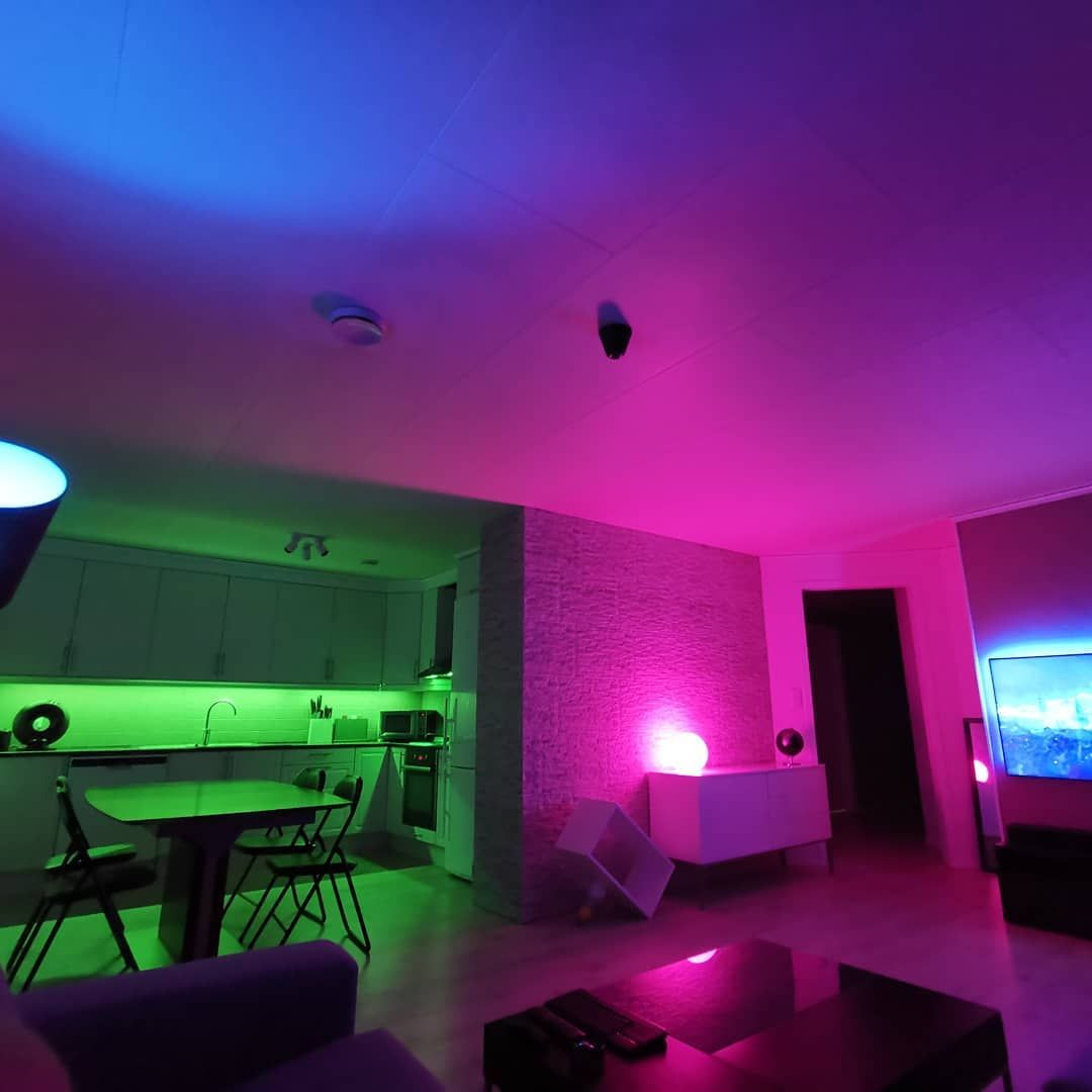 New The 10 Best Home Decor With Pictures Livingroom Testing Philips Hue Bulbs 16million Colo Decor Interior Design Home Decor Interior Decorating #philips #hue #living #room