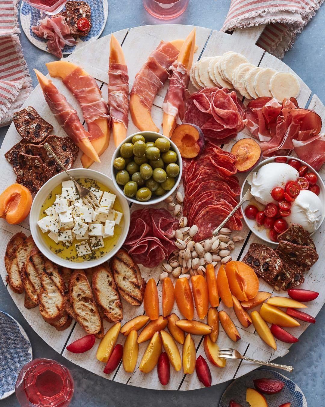 Finger Food Aperitivo Estivo aperitivo time!🍈🍢🍹🍸🍕cosa tra gli ingredienti di questo