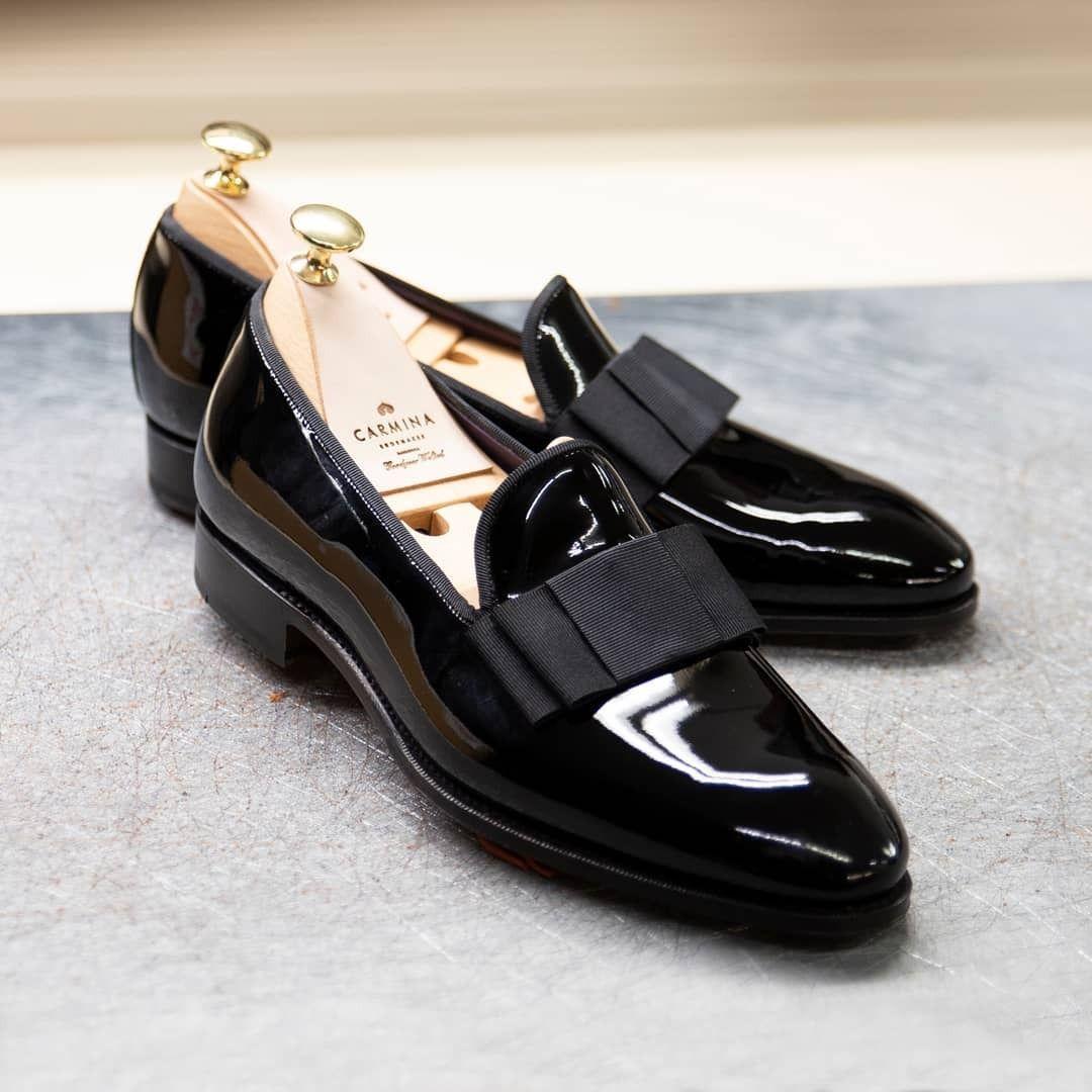 black opera pumps