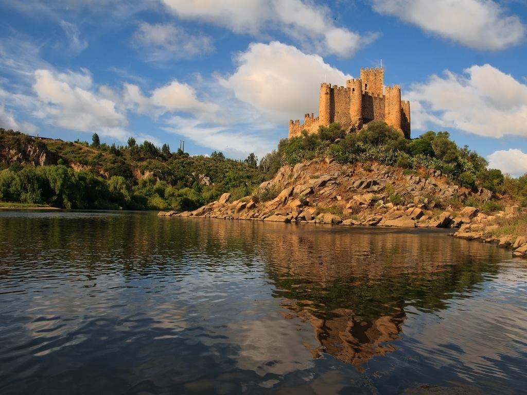 Castillo De Almourol Portugal Castle Of Almourol Portugal