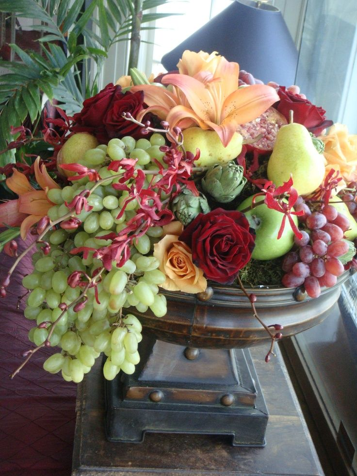Centerpieces with fruit and flowers google search Floral arrangements with fruit