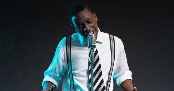 5 HUGE Stage Presence Tips For Singers | Singing Tips ...