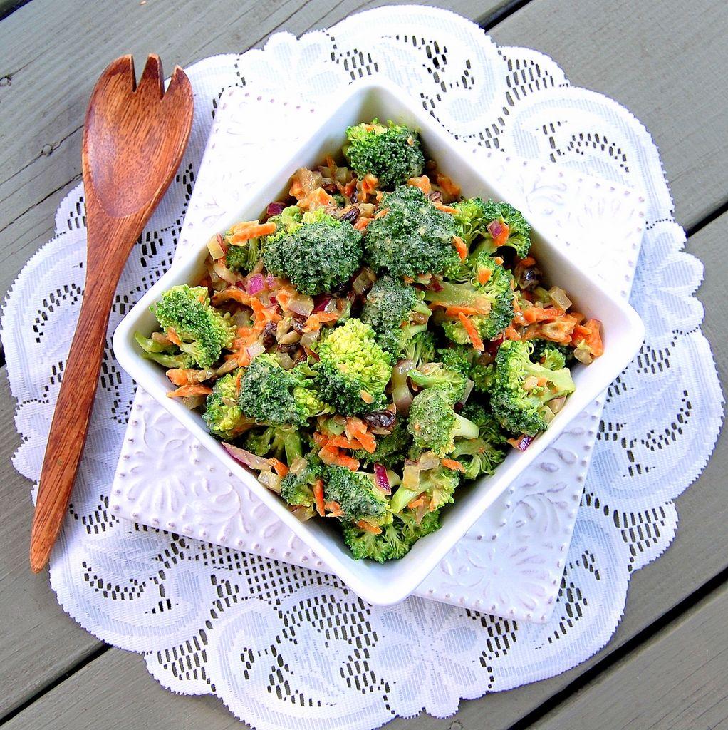 Vegan broccoli salad from virtually vegan mama recipe roulette vegan broccoli salad from virtually vegan mama forumfinder Image collections