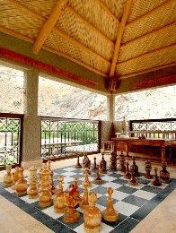 Aussergewöhnliche Hotels: Kasbah du Toubkal, Schachspiel