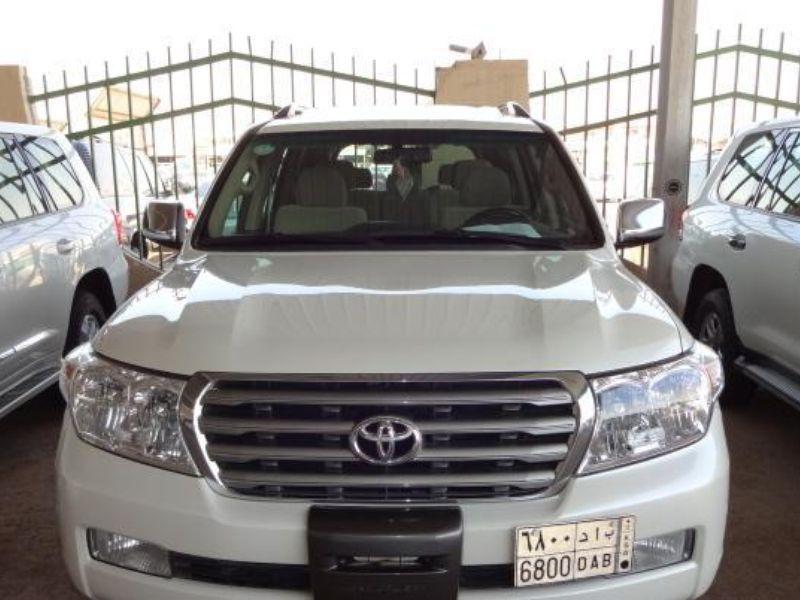 للبيع تويوتا موديل Gxr V 8 2010 لون أبيض لؤلؤي سعودي حراج Suv Car Suv Car