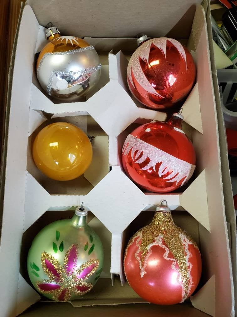 Vintage European Style Glass Ornaments 1950s 1960s Christmas Decoration Ornament Antique In 2020 Glass Ornaments Vintage Christmas Decorations Christmas Ornaments