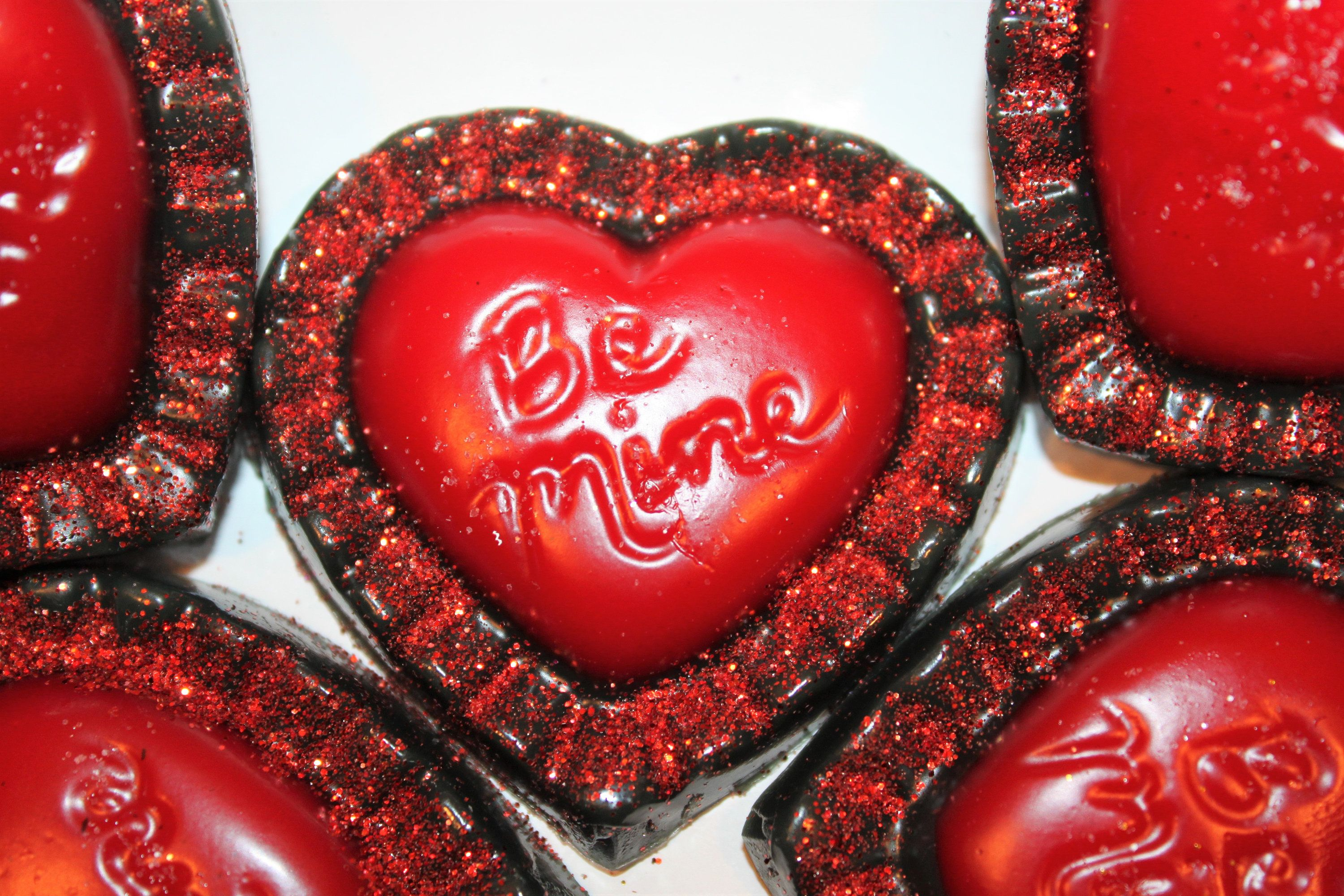 Icy shine scented be mine red black primitive valentines