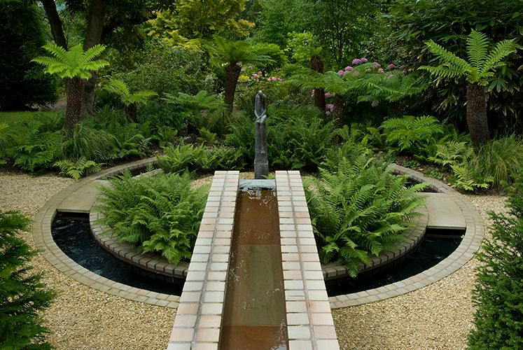 Great Creating Of A Focal Point Design Of This Denbigshire Garden