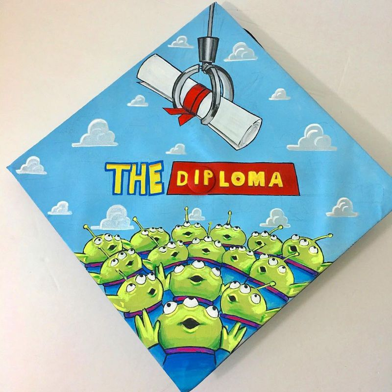 25 Absolute FIRE Graduation Cap Decorations