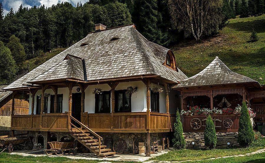 Case Di Tronchi Romania : Casa romaneasca romania romania traditional house e house