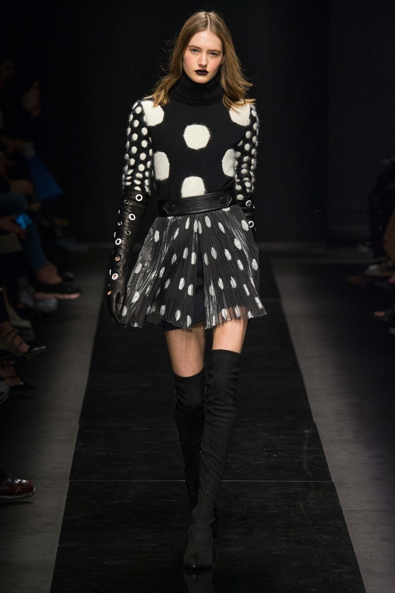 Emanuel Ungaro Fall 2015 Ready-to-Wear Collection Photos - Vogue