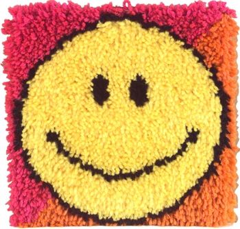 Wonderart Latch Hook Kit 12 X12 Smiley Face Yarn Free