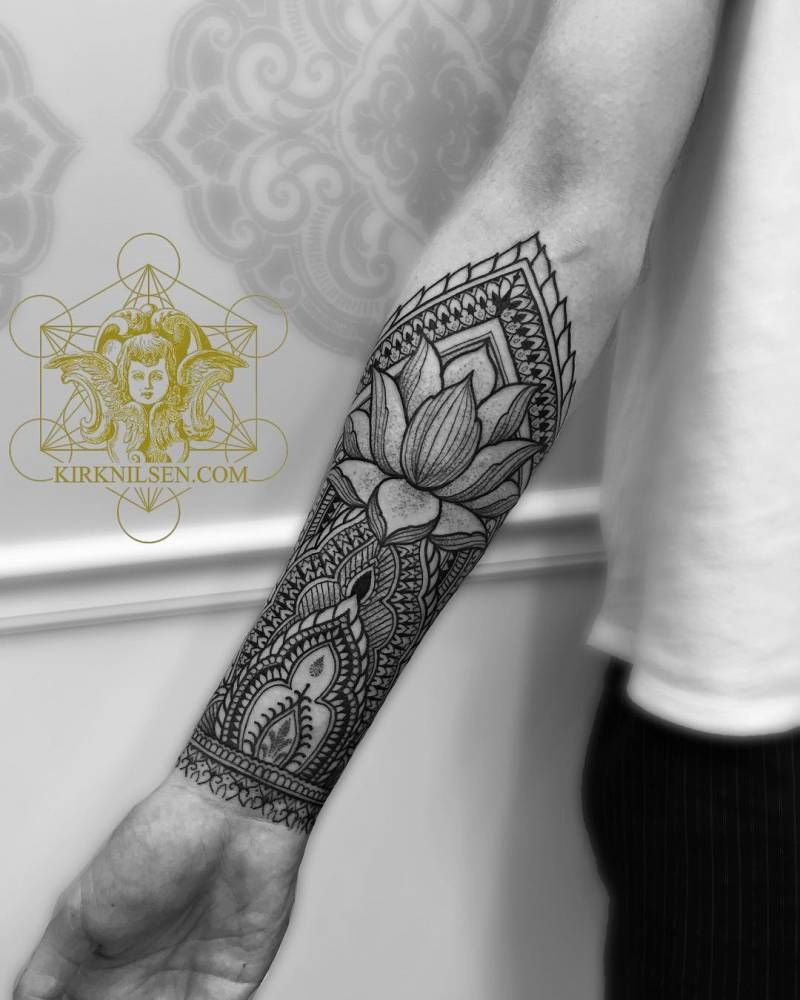 Tatouage Interieur Biceps pour henna style right inner forearm tattoo. tattoo artist: kirk nilsen